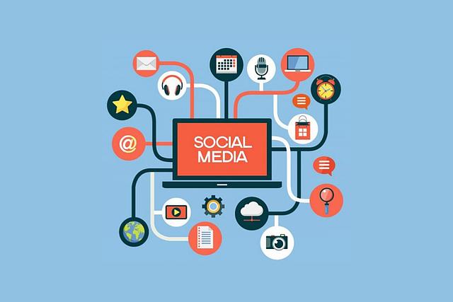 Laptop Screen Social Media - jmexclusives / Pixabay